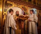 """(Română) Participanții la Festivalul de Film Filantropic """"Îngerul de lumină"""" s-au rugat împreună la Sfânta Liturghie desfășurată la Lavra Serghiev Posad"""