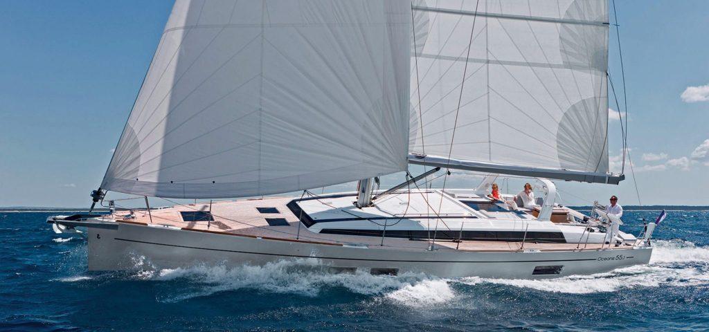 Oceanis 55.1 sailing