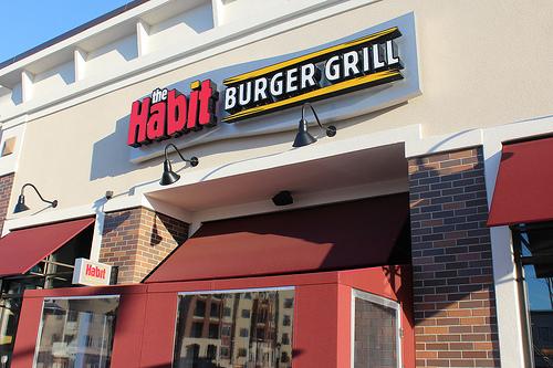 ハビット・バーガー・グリル - 全米No1という評価もあるカリフォルニア発のフレッシュバーガー店