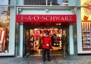 映画「ビッグ」の舞台として有名な5番街の「FAO Schwarz」がこの夏に閉店
