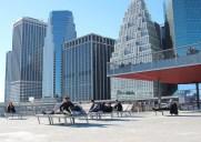 2階建ての公園「ピア 15」でブルックリンを眺めながらひと休み