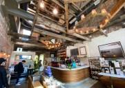 中庭があるLICのお洒落カフェ「パートナーズ・コーヒー」
