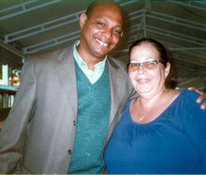 O Dr. Agláusio com a nova presidente do CCS, Emydia de Melo. Foto: Dulce Tupy.