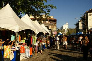 Os estandes da Vip Tendas deram um toque alegre e descontraído na festa de N. Sra. de Nazareth. Foto: Edimilson Soares