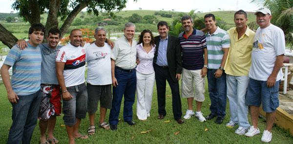Os vereadores, entre eles o presidente da Câmara, José Carlos Cabral, recepcionaram o vice Dr. Amílcar Ferreira, a prefeita Franciane Motta e o deputado Paulo Melo, numa tarde de muito sol e alegria em Bicuíba.