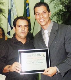 O primeiro secretário, Rafael Pinheiro com o empresário Evandro Moreira Martins, da Padaria Marocas.
