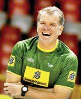 Bernardinho é o único técnico de vôlei tricampeão mundial. Foto: Silvio Ávila / CBV.