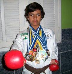 Vitor Coelho, 13 anos, já faz parte da Seleção Carioca de Karatê.