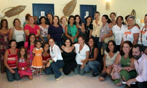 CRAS em Bacaxá festeja o dia 8 de março