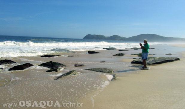 Beachrocks na praia de Jaconé
