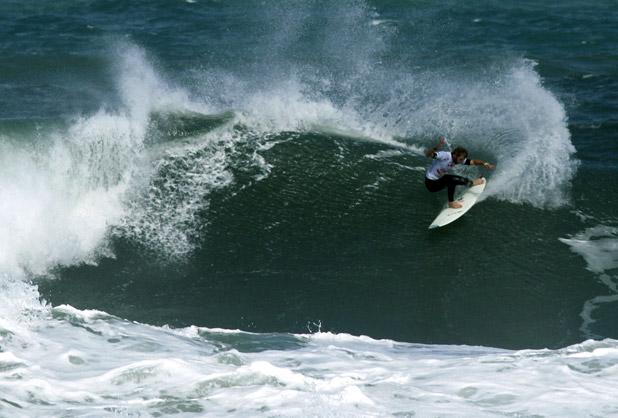 """O australiano Kai adorou surfar nas ondas do """"Maracanã do Surfe"""". Fotos: Pedro Monteiro"""
