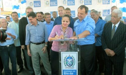 Governador Sérgio Cabral inaugura obras em Saquarema
