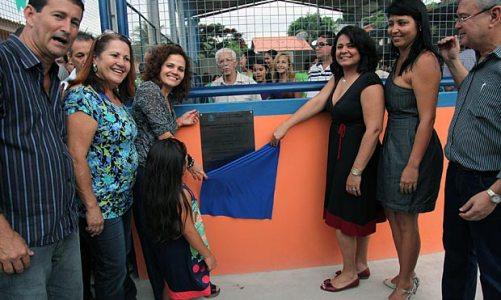 Inauguração da quadra da escola Luciana Santana
