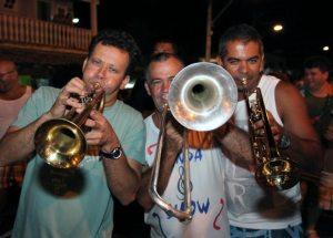 Na Vila, a banda