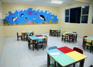 Salas com espaço amplo, confortável e decorado para as crianças de Ipitangas