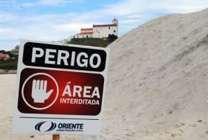O descarte da dragagem fez uma montanha de areia na Barrinha, motivo de preocupação para  os moradores e ambientalistas com o impacto ambiental