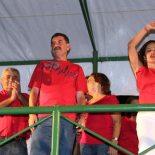 Franciane se entrega à emoção da vitória e vibra ao lado de Paulo Melo e do vice Zequinha Martins. (Fotos: Edimilson Soares)