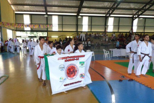 Atletas do futuro do Karate trazem cada vez mais títulos  para a equipe e para o município. (Foto: Divulgação ASK)