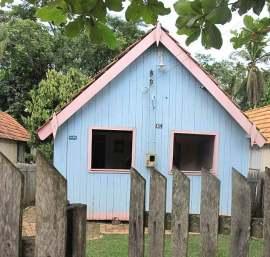 A pequena casa de Chico Mendes, preservada integralmente.