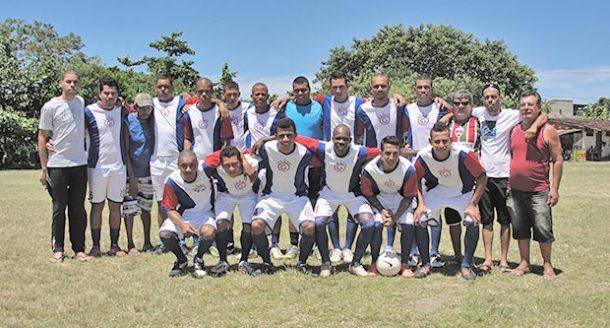 A vitória do time do Gravatá foi decidida na Justiça e agora vai levar o troféu (Foto: Paulo Lulo)