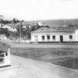 Instituto Madre Maria das Neves, em frente à atual Praça Oscar de Macedo Soares (Foto extraída do livro Raízes da Minha Terra Acervo Herivelto Bravo Pinheiro)