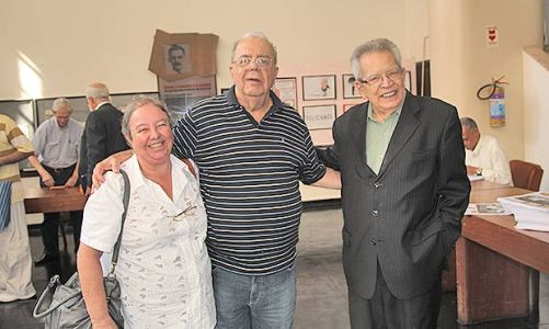 Mauricio Azêdo reeleito na ABI