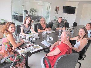 Reunião preliminar com a prefeita Franciane, a consultora Patrícia Kranz  e os coordenadores do Fórum da Agenda 21 Saquarema, preparando o seminário realizado na FAETEC (Divulgação/Fórum da Agenda 21 Saquarema)