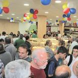 Fregueses, amigos e familiares na inauguração da reforma da padaria (Fotos: Edimilson Soares)