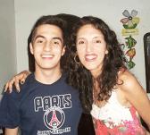 Bruno comemorando o niver com a mãe Ana Márcia