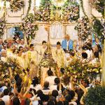 A coroação de Nossa Senhora de Nazareth e do Menino Jesus são o ponto alto da Missa Solene, que ganhou uma chuva de papel picado (Foto: Agnelo Quintela)