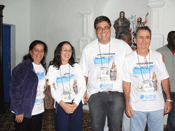 Autoridades reunidas com  membros da sociedade civil (Foto: Paulo Lulo)