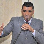 Vereador Kilinho homenageia servidores do Legislativo (Fotos: Agnelo Quintela)