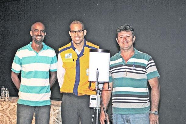 Metereologista Julio César, coordenador da Defesa Civil, Cezinha,  e o secretário de Segurança Pública, João Carlos Araujo (Foto: Divulgação/Defesa Civil)