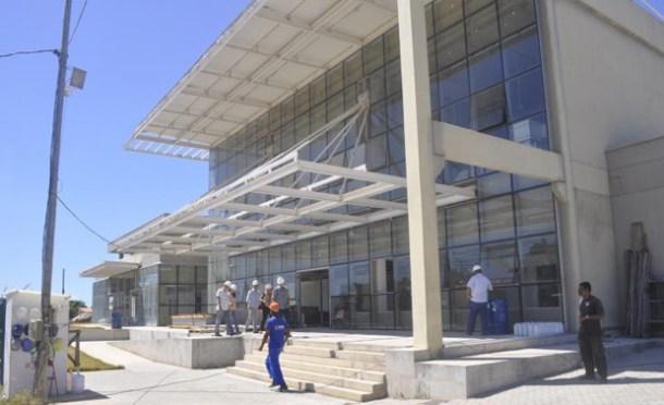 Fase final das obras do hospital que será referência regional (Foto: ASOM/PMS)