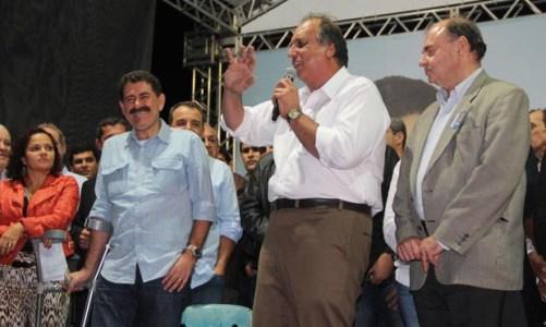 Lançamento da campanha de Paulo Melo rumo à reeleição reuniu multidão