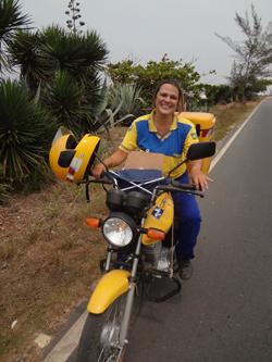 1ª mulher carteira em Saquarema (Foto: Edimilson Soares)