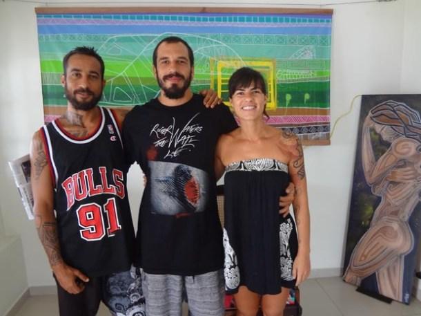 Os artistas plásticos Santuh de Maria, Átila Rezler e Cintia Leão abraçaram a arte contemporânea (Foto: Edimilson Soares)