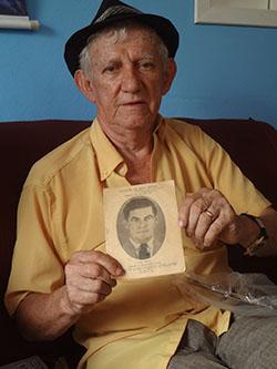 Bravinho e seu precioso acervo de família narram a história do município (Edimilson Soares)