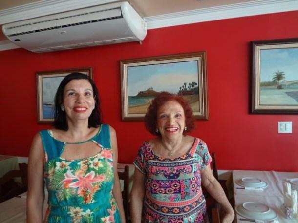 A tradutora Helena Amaral e a poeta, cantora e compositora Messody Benoliel (Foto: Edimilson Soares)