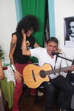 O homenageado Serguei e Tony Colocci deram uma canja e charme ao evento