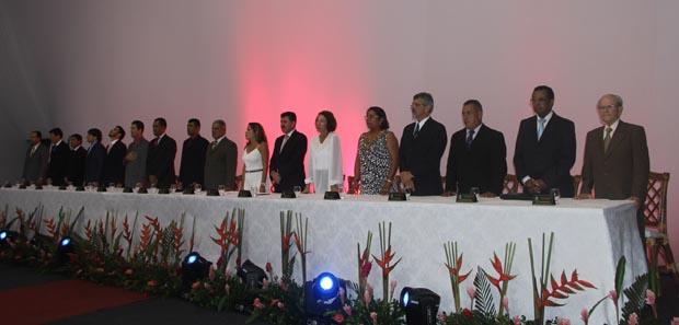 Sessão Solene da Câmara foi na CBV e contou com a presença de várias autoridades, entre elas o deputado Paulo Melo, atual secretário estadual de Governo e a prefeita Franciane Motta (Foto: Edimilson Soares)