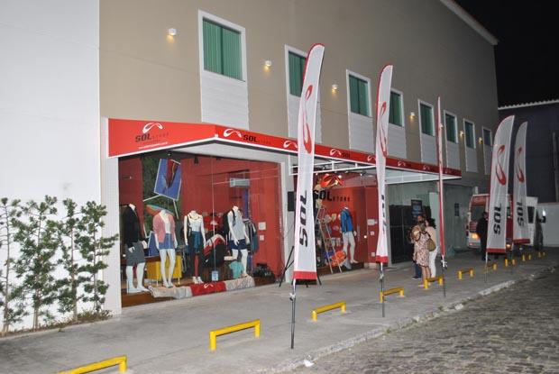 A fachada da Sol Store que já é uma referência para os amantes do voo livre e de esportes ao ar livre na cidade. (Fotos: Agnelo Quintela)