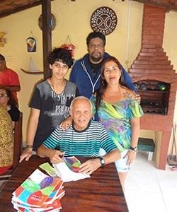 Lançamento de livro em Jaconé