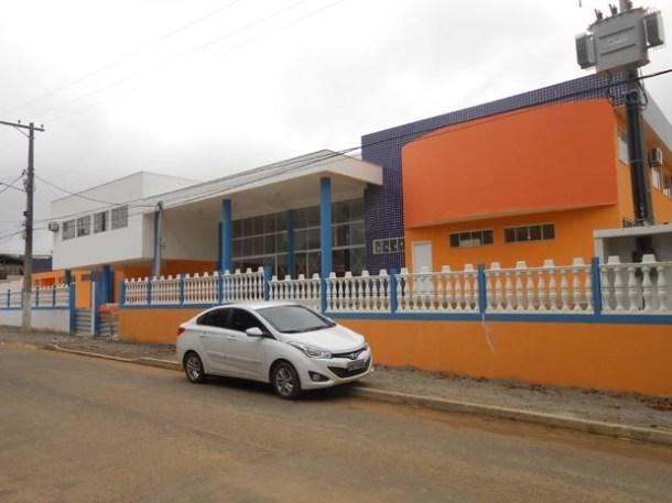 O Centro Municipal de Educação Padre Manuel pronto para inaugurar o ano letivo de 2016  (Fotos: Michele Maria)