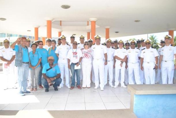 Em ação a secretária de Saúde, Ana Cristina, com toda sua equipe e com os militares da Base Aérea Naval de São Pedro da Aldeia (Agnelo Quintela)