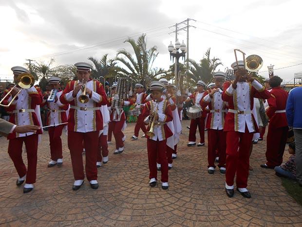 A apresentação da Banda da escola Menaldo Magalhães (Foto: Edimilson Soares)