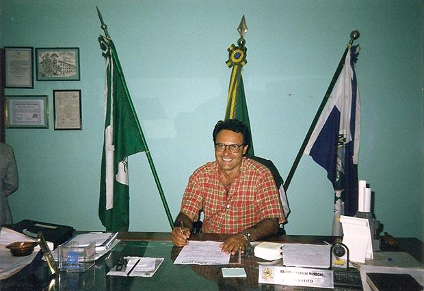 Dalton Borges, quando era prefeito de Saquarema, em seu gabinete
