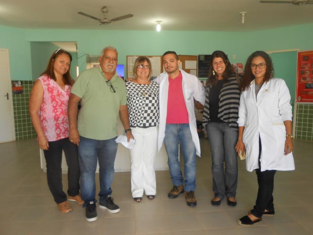 Vera, da secretaria municipal de Saúde, o administrador do PSF de Barra Nova, Luiz, a secretária de saúde Ana Cristina, o Dr. Mario, formado na Argentina, a supervisora Beatriz e a enfermeira Jenifer