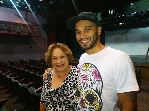 A consagrada atriz Nicete Bruno apóia o projeto do artista de Saquarema, Raphael Tavares, criador do festival (Foto: Facebook-Divulgação)