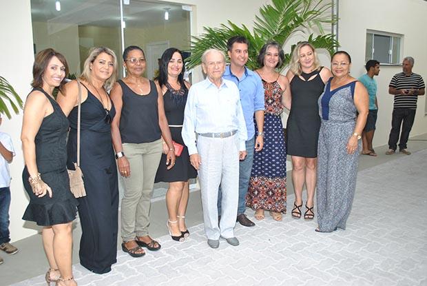 O ex-prefeito Jurandir Mello, presidente do Ibass, e sua equipe de funcionários, entre eles a diretora financeira Nilmar Epaminondas (2ª na foto, da esquerda para a direita)